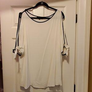 Eloquii white and black blouse